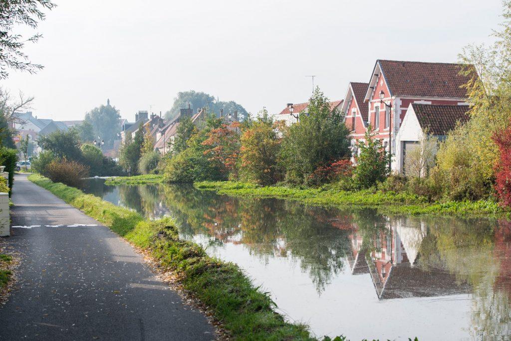Canal de Guînes - véloroute des marais - crédit Michael Lootens -2