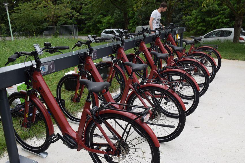Borne de vélos à assistance électrique